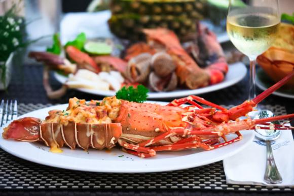普吉岛 普吉渔市场餐厅 鲜活海鲜供应 满足你的挑剔味蕾