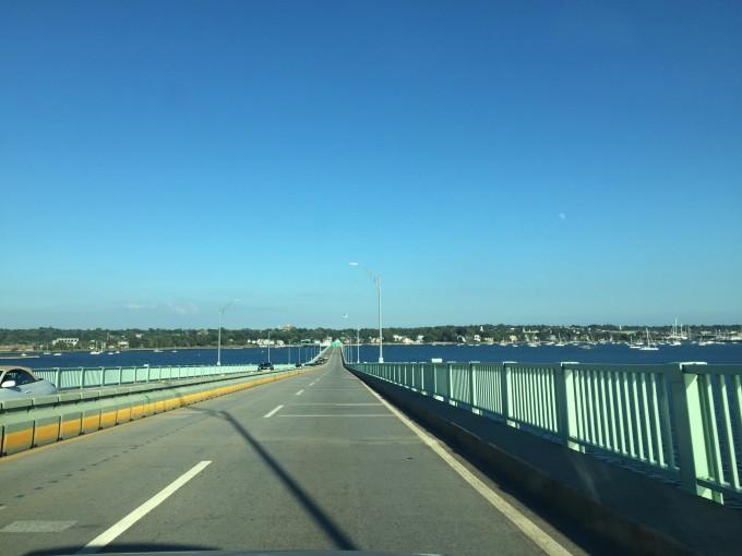 美东高速路两旁的风景都非常漂亮,边开车边看风景,一点都不