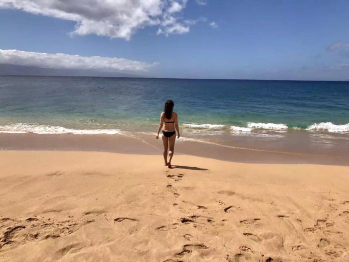 单色海边风景图片