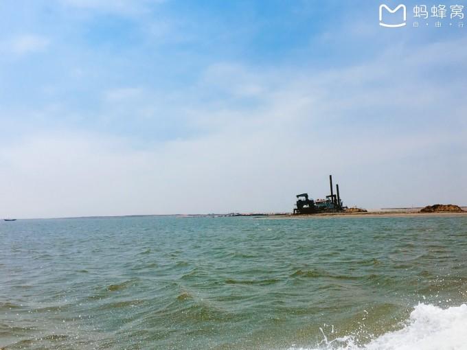 到乐亭汽车站后,乘坐乐亭到捞渔尖的车,捞渔尖是三岛码头的所在地,在