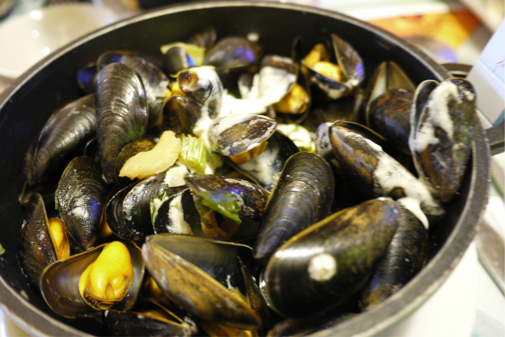 法国巴黎的首顿海鲜美食~~chez leon de bruxelles