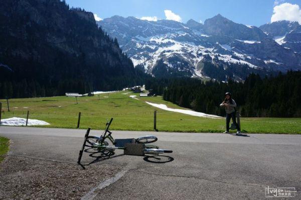 沿路风景 就这样一路滑啊滑,到了山脚下,还了车,转转这个英格堡吧