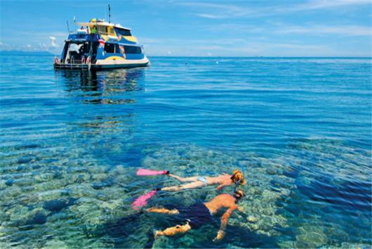 巴厘岛快艇出海蓝梦岛 浮潜 海钓 spa 烤猪排 专车接送(1人起订,4人成