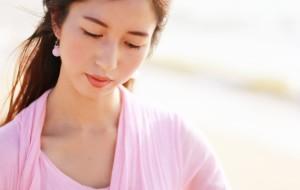 【东方市图片】【小茄看东方】美人篇·海边的古筝仙子