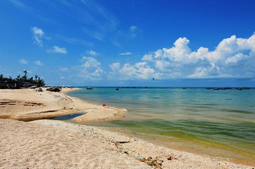 石螺口海滩位于涠洲