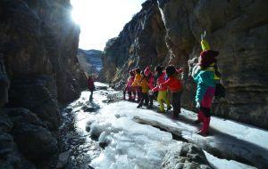 【哈密图片】美丽冰瀑布,我们来了! ---12月10日,随北山羊户外探险感想 (奢求季节)