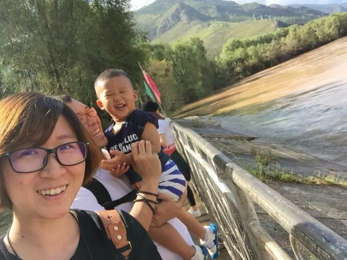赶往丽江市区的路上看到了彩虹  在长江第一湾(石鼓镇)看到了路过的