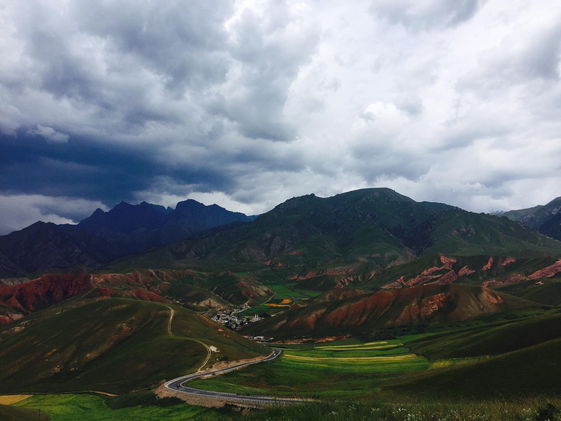卓尔山那美丽的景色就好比一幅油画